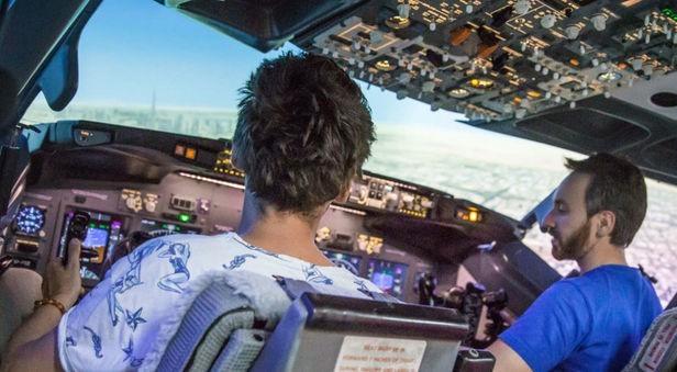 Lot w symulatorze - Poznań (Boeing 737, 15 minut)