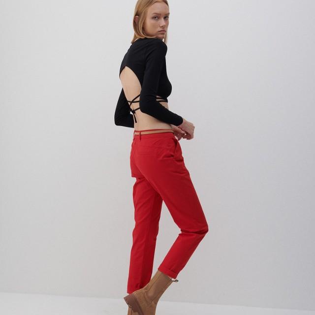 Reserved - Spodnie chino z paskiem - Czerwony