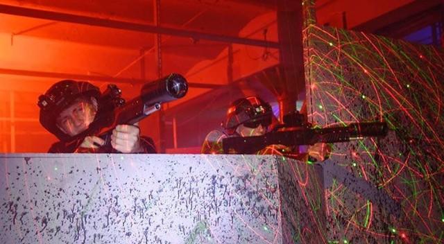 Voucher otwarty do centrum rozrywki Alfa Laser Game - S