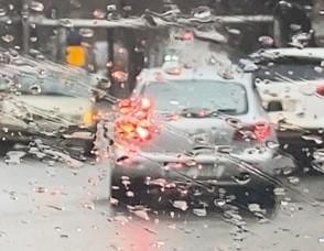 Czy wiesz, jak prowadzić samochód w złych warunkach pogodowych?