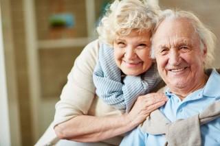 Załóżmy babci i dziadkowi konta pacjenta i rejestrujmy na szczepienie!