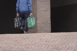 Koniec z noszeniem ciężkich zakupów. Seniorzy zamawiają do domu