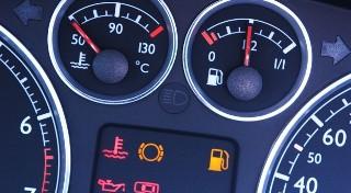 Czy wiesz, co oznaczają kontrolki w samochodzie?