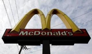 Ile się zarabia w McDonalds w Warszawie? Zdradzamy wielką tajemnicę