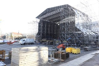 Powstaje miasteczko WOŚP na pl. Teatralnym i scena na pl. Bankowym