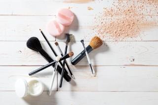 Pędzle do makijażu dla początkujących. Zobacz, które warto kupić