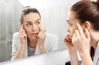 Pierwsza zmarszczka? Jak dbać o skórę z pierwszymi objawami starzenia.