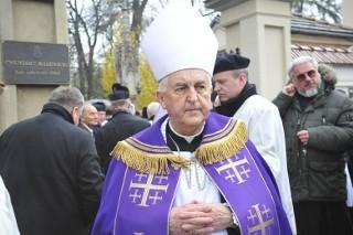 Sprawa biskupa Jana Szkodonia. Wstrząsające szczegóły w reportażu