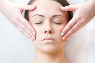 Czy masaż twarzy to sekret młodej i pięknej skóry?