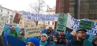"""Wielki protest w obronie Zakrzówka. """"Siatka sratka"""""""