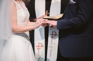 Ślub kościelny. Zakazy, nakazy i wskazówki dla narzeczonych