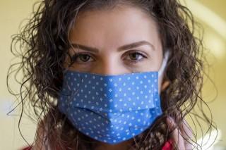 Obowiązek zasłaniania nosa i ust. Oto, co musisz wiedzieć