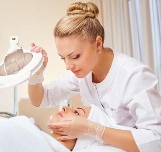 Czy znasz te terminy kosmetyczne? QUIZ dla urodomaniaczek