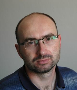 Autorem tekstu jest Radosław Patroniak