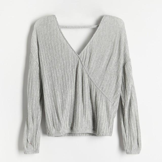 Reserved - Bluzka z plisowanej dzianiny - Jasny szary