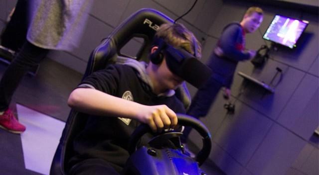 Wejdź w świat wirtualnej rzeczywistości dla dwojga - Warszawa (30 min., VR WARSAW)