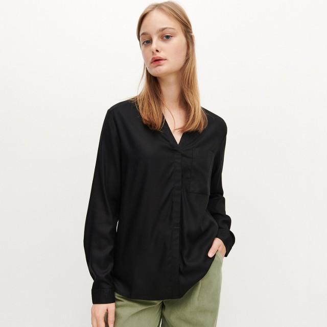 Reserved - Bluzka z ekologicznej wiskozy LENZING™ EcoVero™ - Czarny