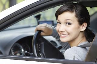 15 nowych pytań z oficjalnych testów na prawo jazdy. Zdałbyś dzisiaj?