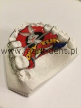 Logo firmy laboratorium techniki dentystycznej mark-dent